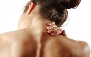 Easy and Effective DIY Home Remedies For Neck Pain